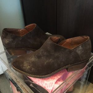 Lucky Brand low ankle boootie NWT